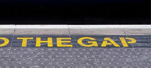Railway gap warning